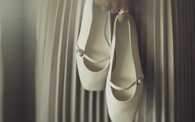 【ZARA】22.5㎝でもサイズがある!白い靴が秋にも使えるワケ