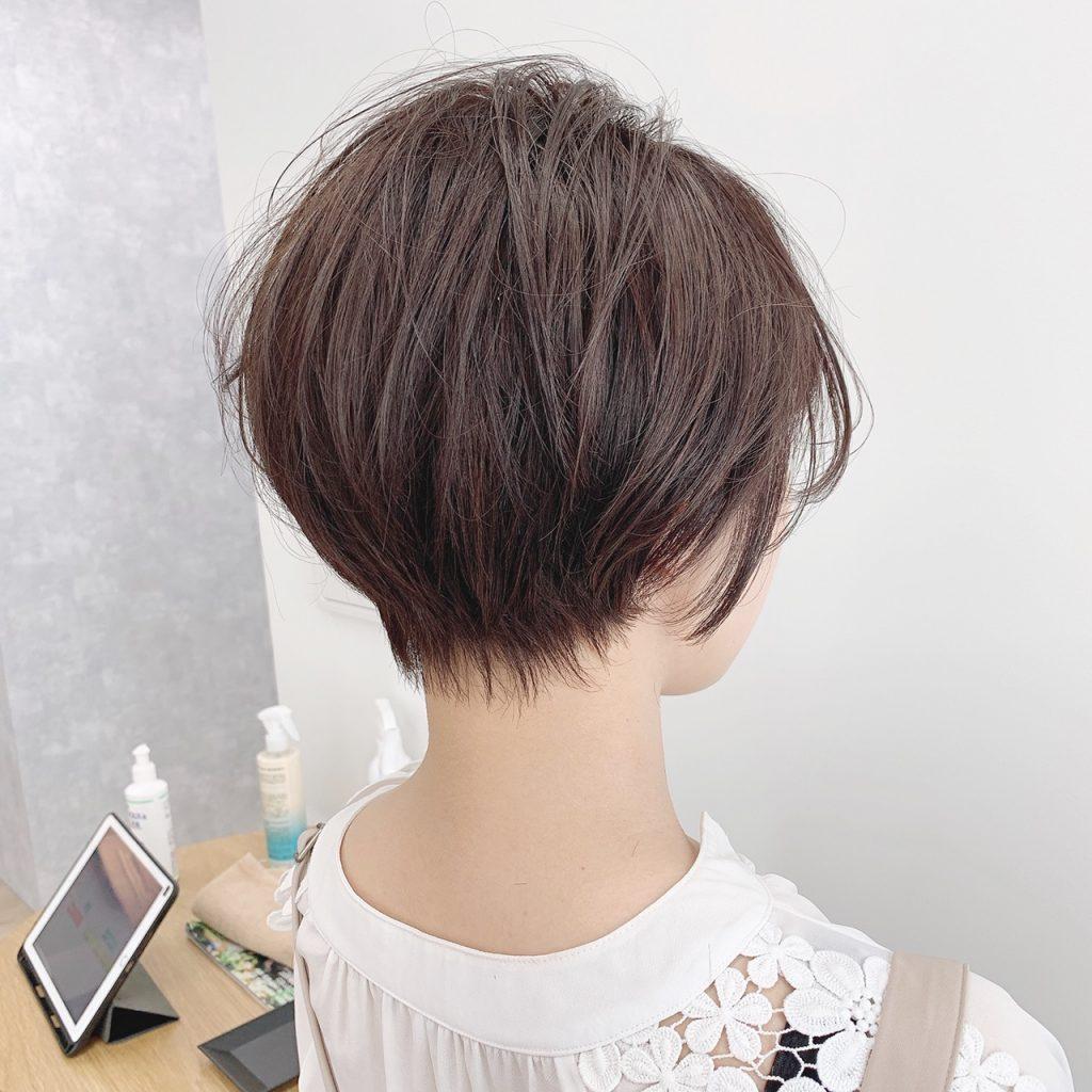 「髪に動きが出にくい直毛さんは