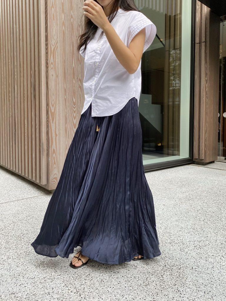 【ZARA】のスカートでプチプラ秋コーデ「色と小物合わせでキレイめに」