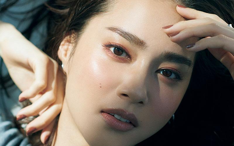 岡野瑞恵さんが教える「アラサー女子にちょうどいいメーク」【上品で深みのある目元】