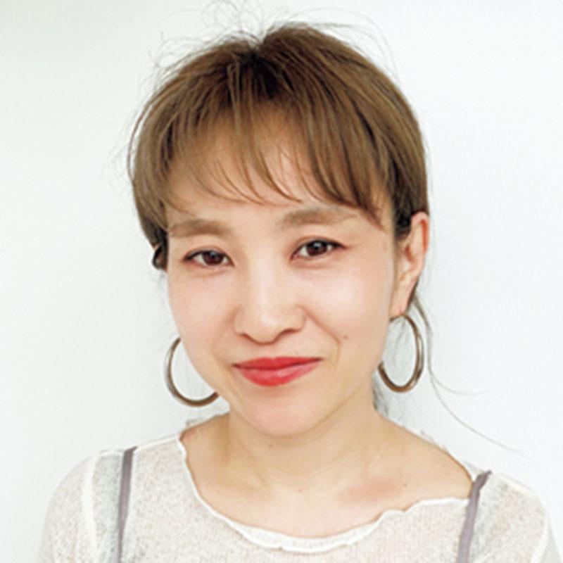 紹介してくれたのは「MINX銀座二丁目・桜井智美さん」 ヘアケアの使い心地を知るために、ロングをキープする実践派。
