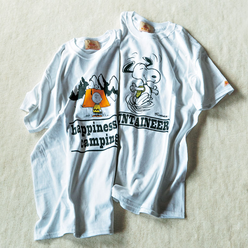 「KELTYのTシャツはあえてXLサイズを選んでゆったりラフに着るのが好き。背中にもメッセージが入っているところがお気に入りです」(ライター・志摩有子)