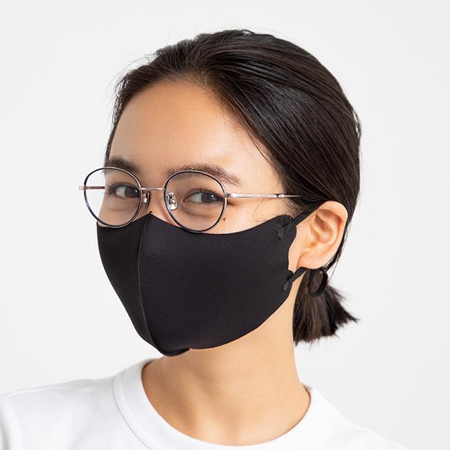 濃い色のマスクは存在感があるの