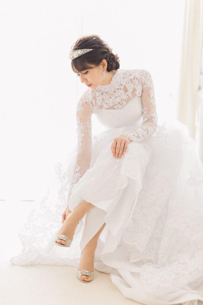 挙式も披露宴も全て純白のドレス
