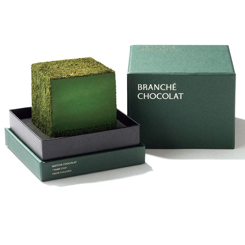 BRANCHÉ CHOCOLAT「抹茶カレ・オ・ショコラ」 抹茶の香り、上品な苦みと甘さが楽しめる、緑の美しいキューブ型ショコラ。パッケージも素敵です