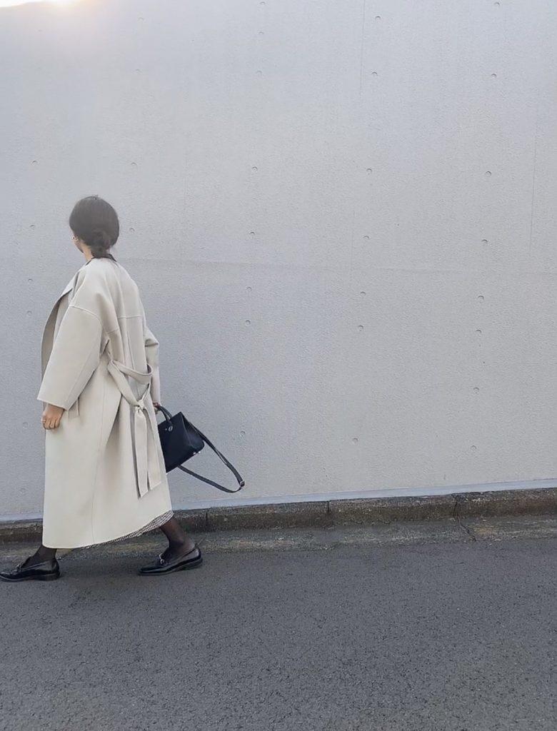 淡い色がとっても素敵なコートは