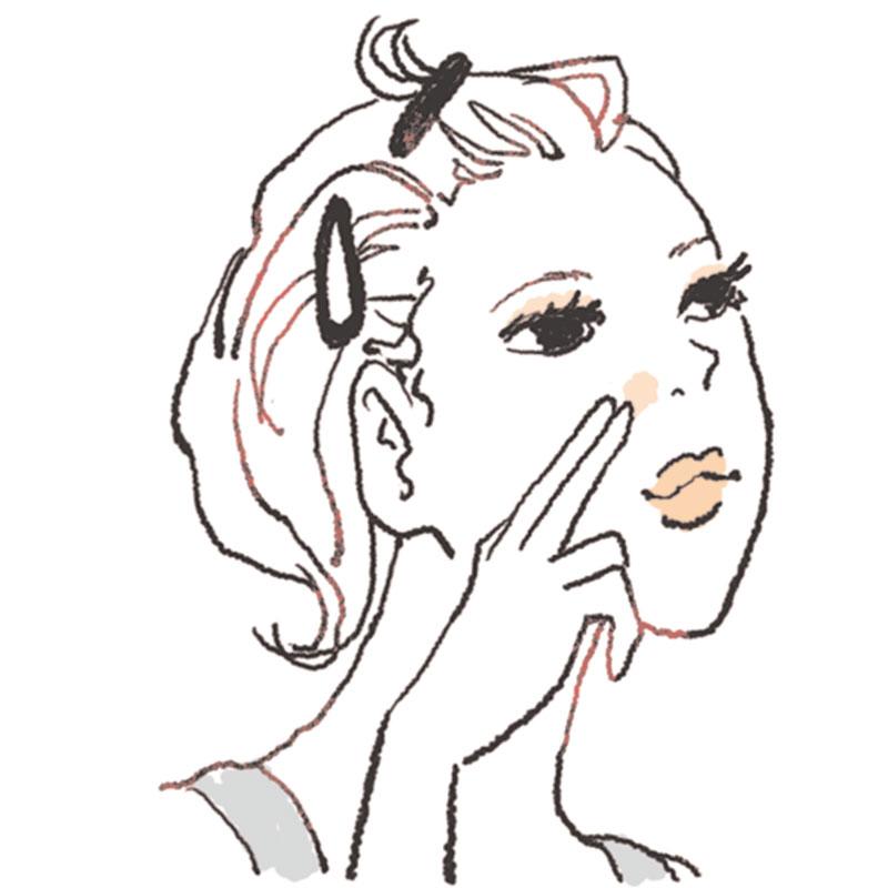 Aの使用量は米粒大が目安。毛穴が気になる小鼻に、指で軽くなでるようにのせると毛穴が消える!