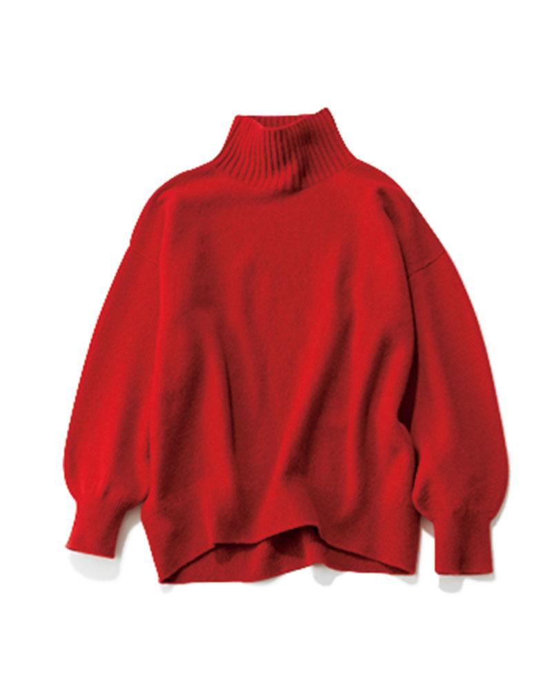 軽くてふっくら柔らかい カシミヤウールの名品ニット 昨年も完売を繰り返したという大人気のニット。CLASSY.では血色感が増し、イキイキと明るい表情を演出する〝赤〟をカラー別注。