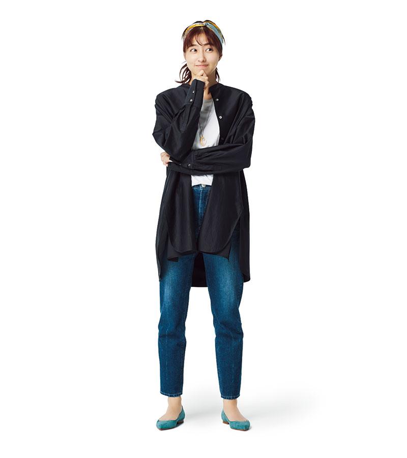 スタンドカラーシャツスカーフツ¥38,000(エブール フォー ロンハーマン/ロンハーマン)¥12,000〈マニプリ〉ブルーデニム¥25,000(ヤヌーク/カイタックインターナショナル)