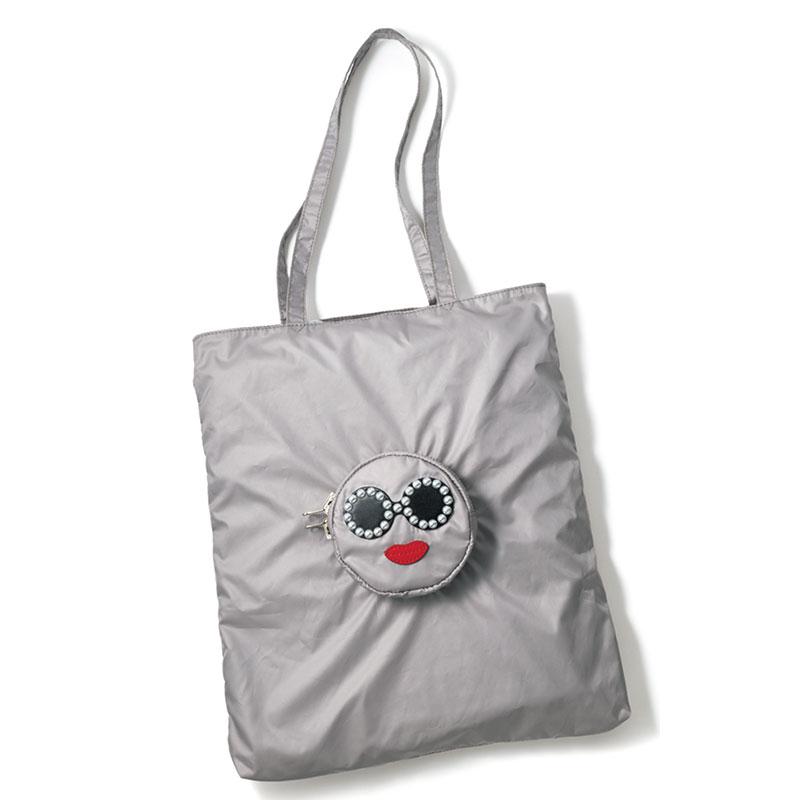 かごバッグで人気のアジョリーからエコバッグが登場。内側にもファスナーポケットが付いています。エコバッグ〈H40×W36〉¥9,000(アジョリー/エス.アイ.エム)