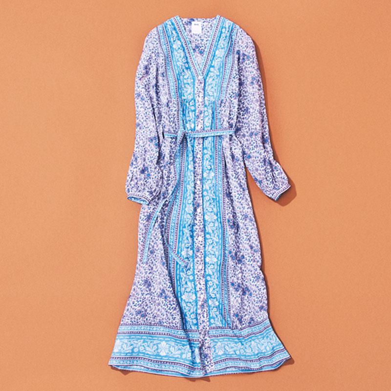 RHCのワンピース 柄ワンピースはドットばかり集めてしまうので、たまにはフラワープリントを。今なら1枚で、秋にはジャケットを羽織ったりモコモコカーデを重ねたりと、季節ごとの着こなしが想像できたのも決め手です。(スタイリスト/乾 千恵さん)