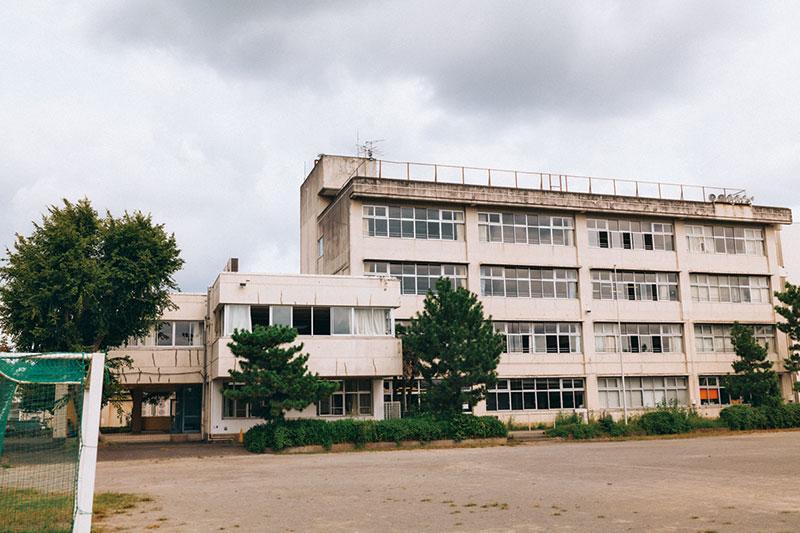 令和X年、とある高校。県内の不良(ワル)たちが集まるこの学校で