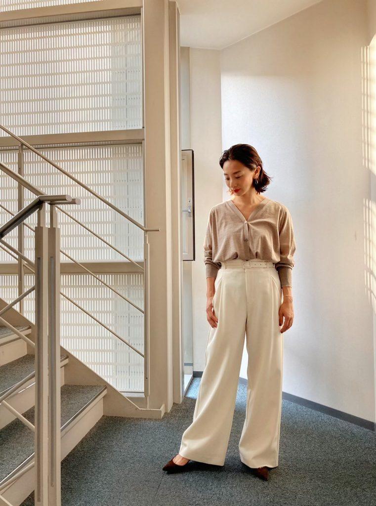 アラサーにおすすめの美脚白パンツベスト3【CLASSY.スタッフが全部試着してみた】