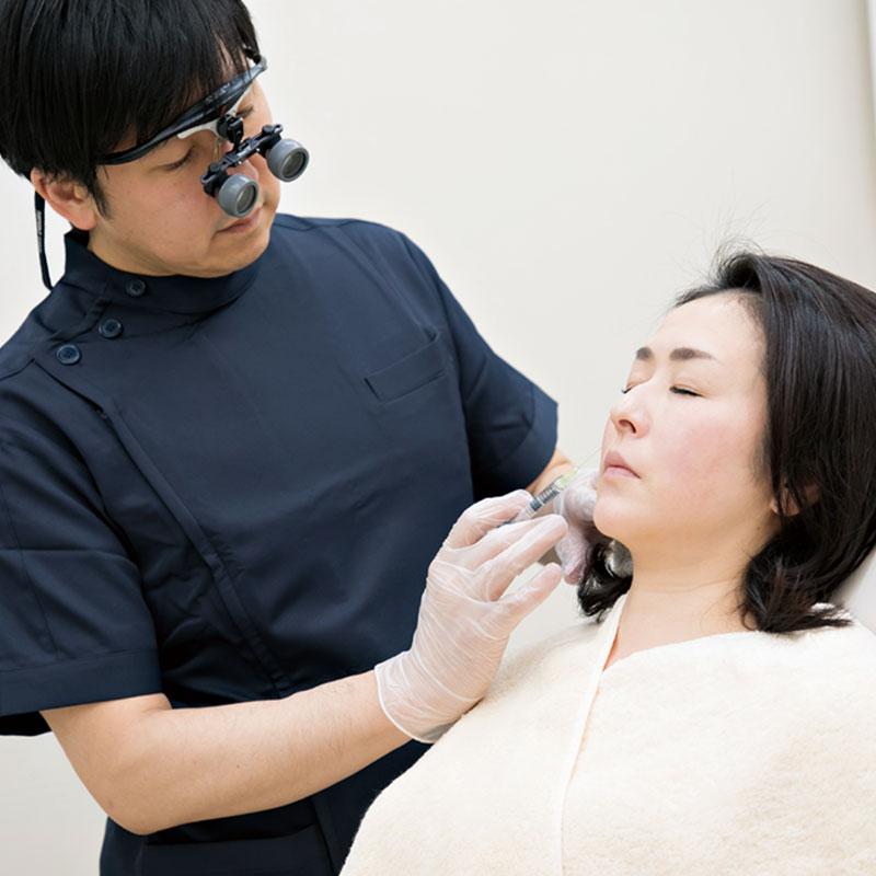 メディカルハーブを主成分にした腫れの出にくい注射MLMと確実に脂肪を溶解する注射サゴニメルトの併用ですっきりしたフェイスラインが叶います。