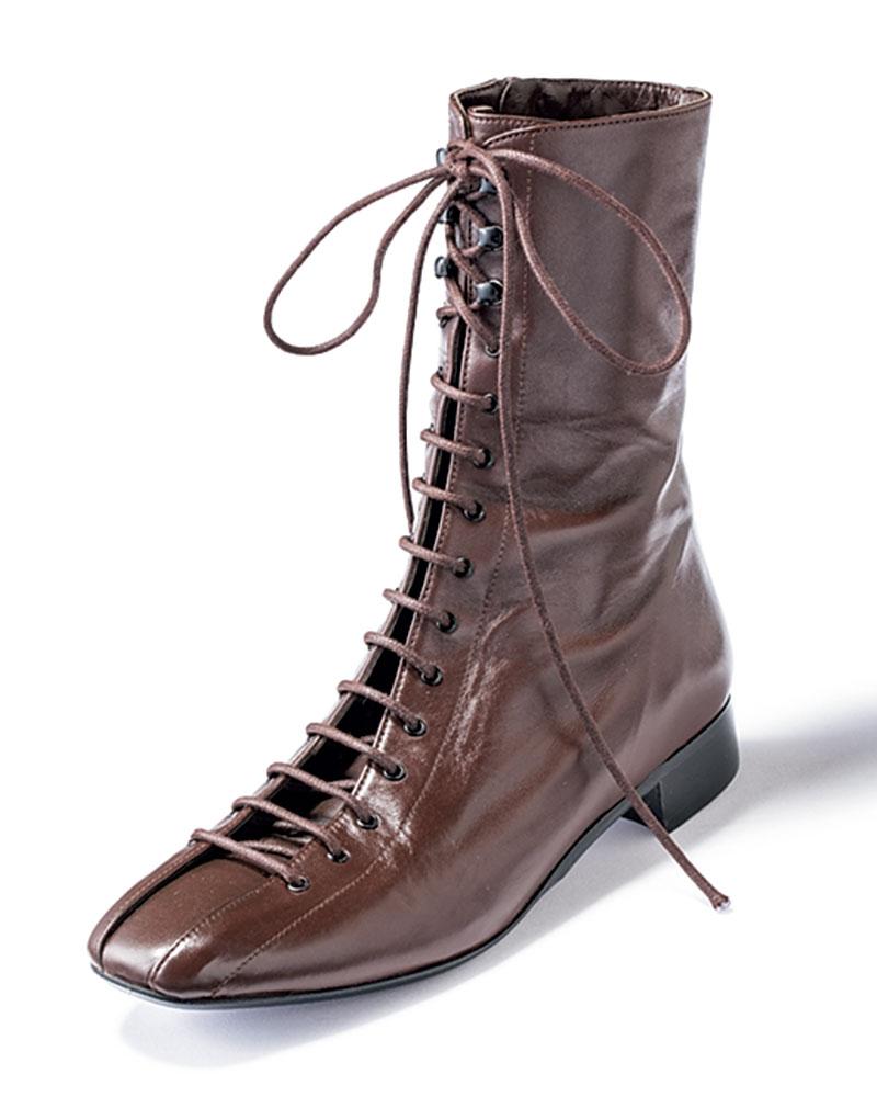 ブーツ[2.5㎝]¥34,000(ビアンカ ヴァスケス/フラッパーズ)