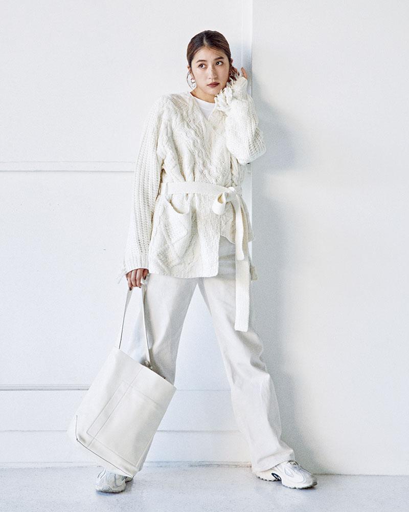人気モデル「有末麻祐子のパンツスタイル」がコーデの参考になる!【ワントーン編】