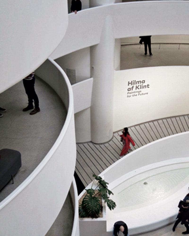 ニューヨーク のグッゲンハイム美術館。