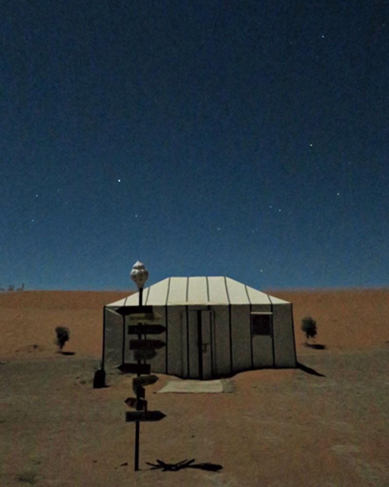 移動が多く大変でしたが、満天の星空と、テントから一歩出たら砂漠が広がっているあの体験は忘れられません。