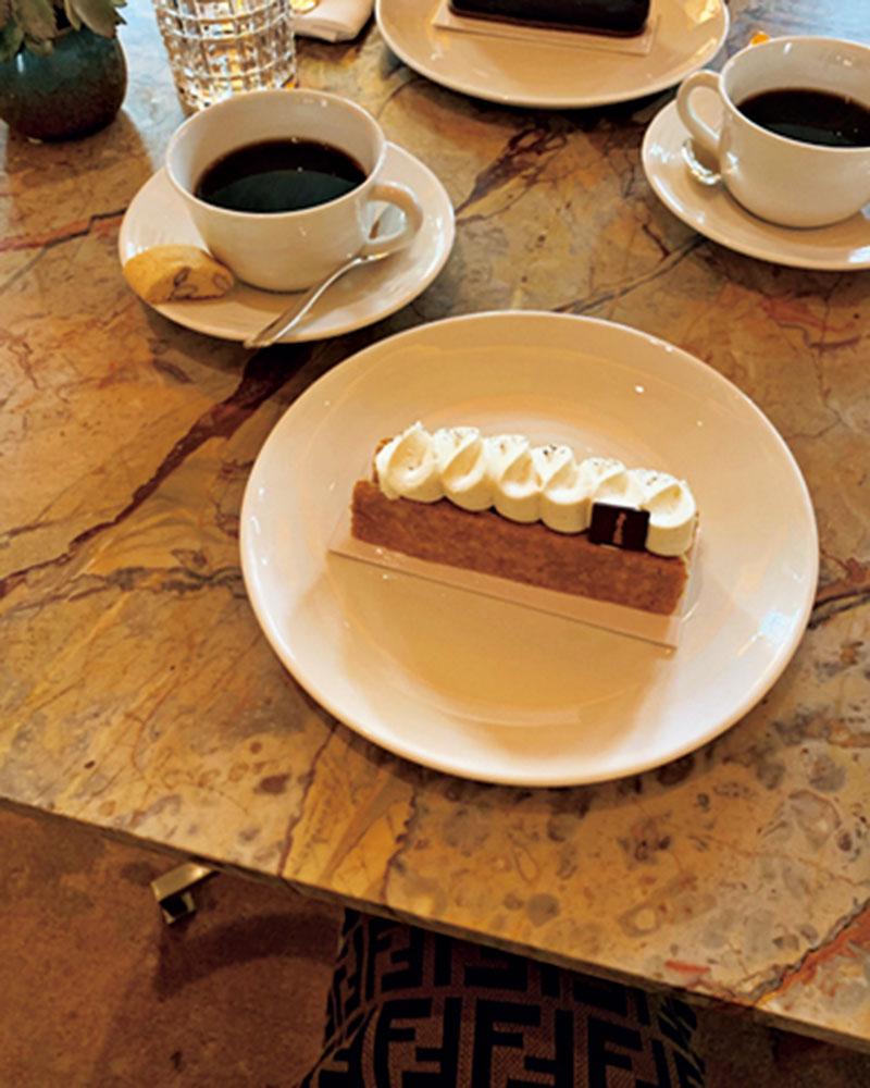 Hotel Branchの1階のカフェのケーキが驚くほど美味しかったのも旅の記録に。