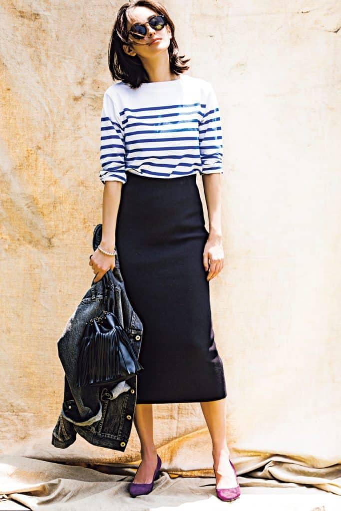 女度の高いタイトスカートに、カ