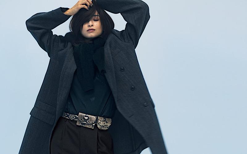 【今日の服装】地味に見えない「黒パンツコーデ」の正解は?【アラサー女子】