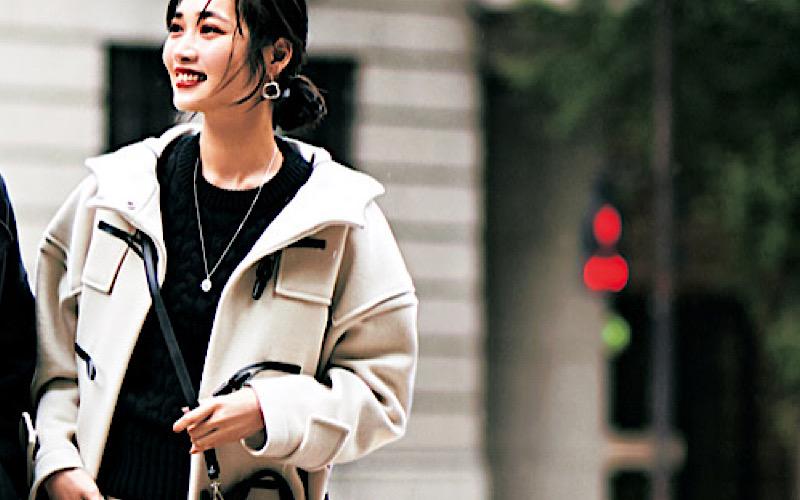【今日の服装】女性らしい「モノトーン」コーデのコツは?【アラサー女子】
