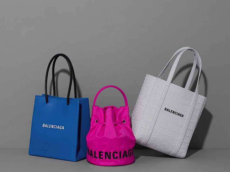アラサー女子のご褒美♡憧れブランドの「ロゴ」バッグ3選【③BALENCIAGA】