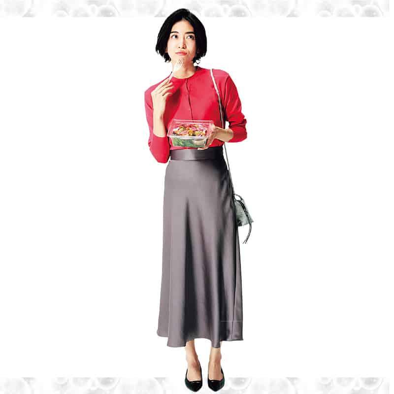 トレンドのサテンナロースカート