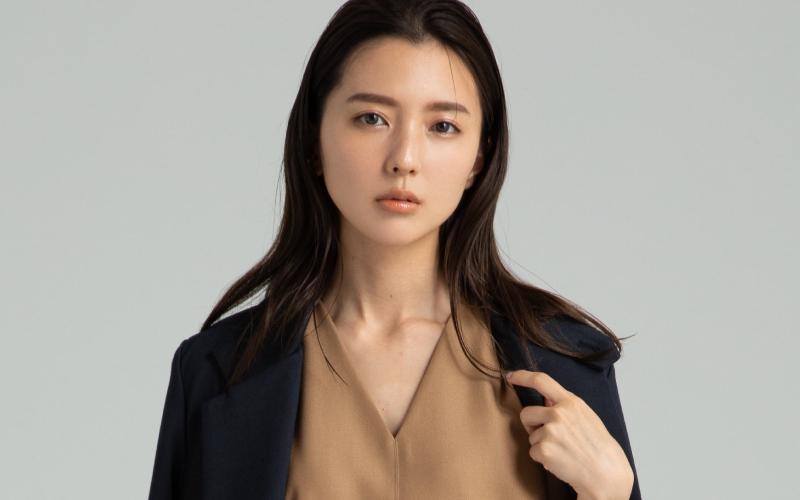 真野恵里菜さん「身長が低い人のための秋冬コーデ」【ロング丈ワンピ】