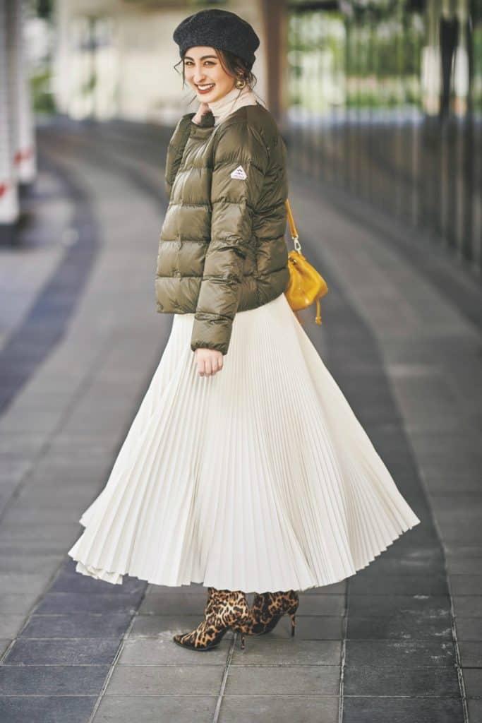 立体的なプリーツスカートには、