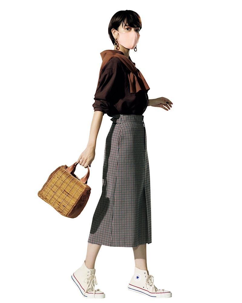 女っぽい印象のタイトスカートは
