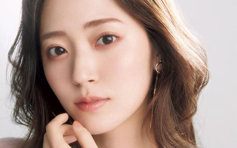 2021年最新版「大人女子の韓国風メーク」【上品で清楚見え】
