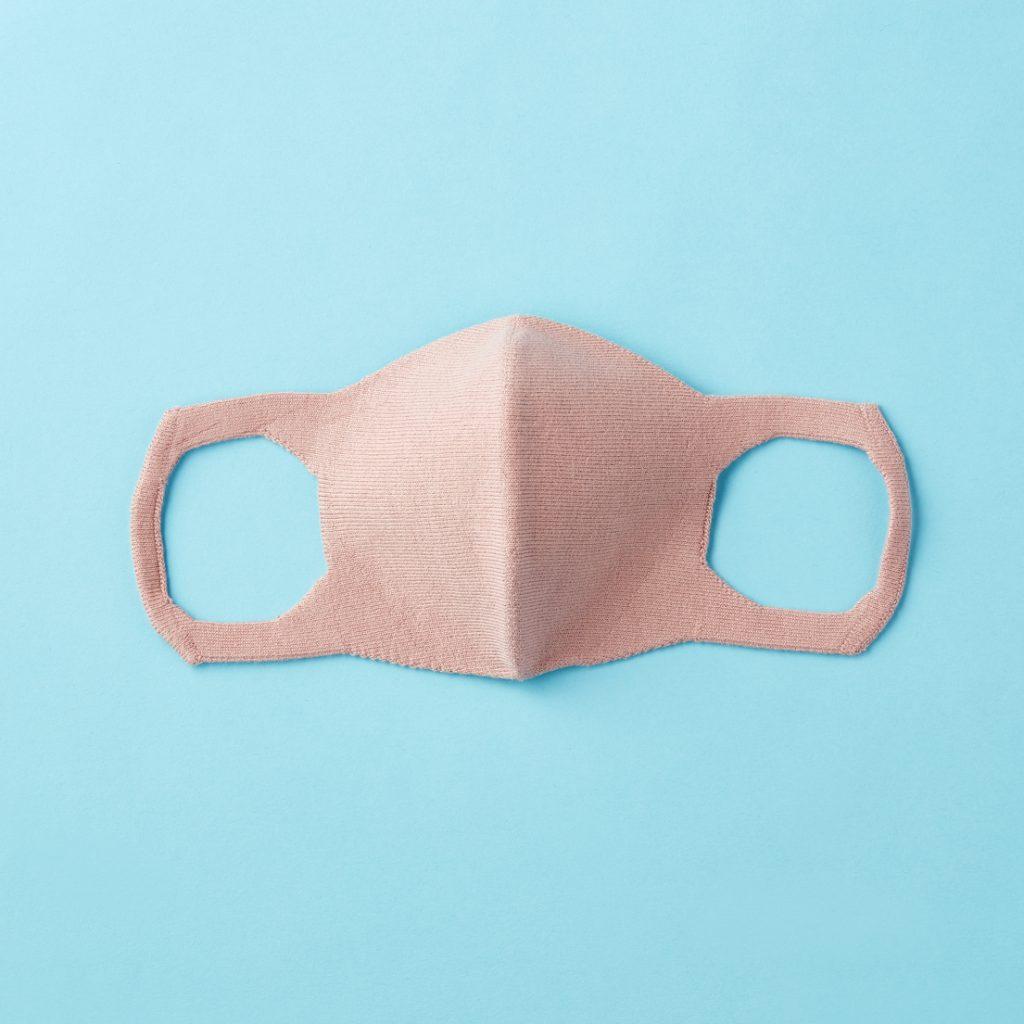 「マスクはどんな人でも小顔に見
