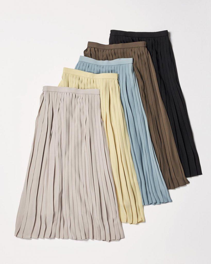人気のプリーツスカートは、軽や