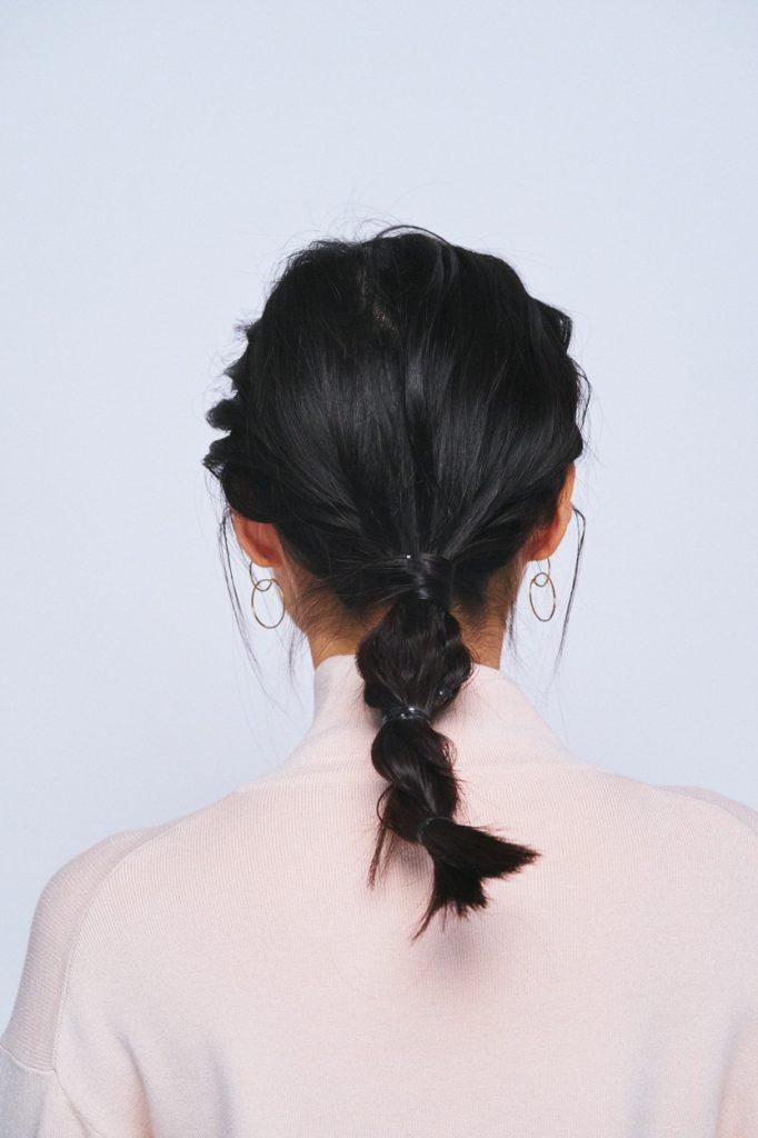 プロセス 1.後頭部の髪を上下