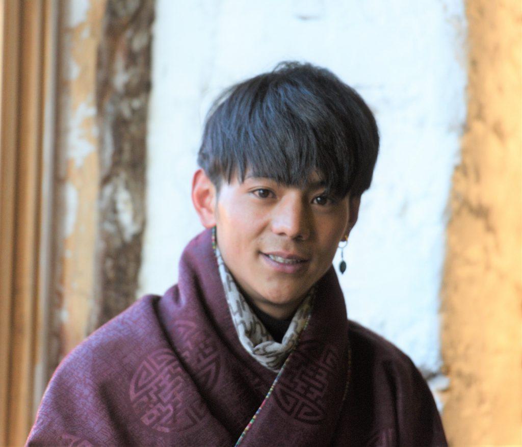 チベット Ding Zhen