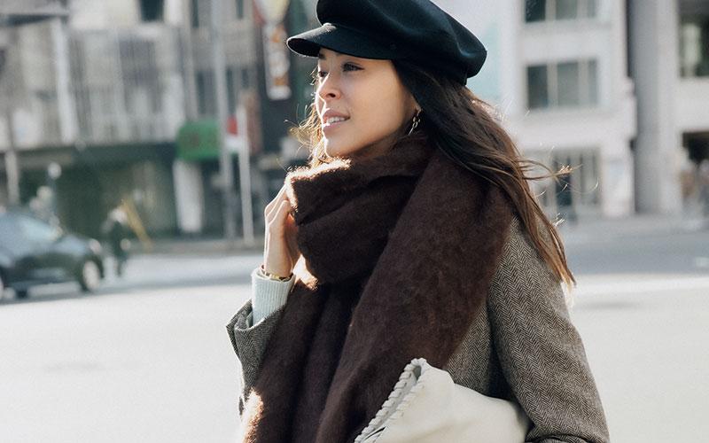 アラサー女子の「帽子&巻き物」大人可愛い選び方
