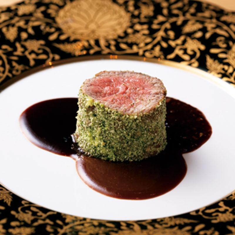 3種のソースを添えた「栃木牛フィレ肉のロースト」