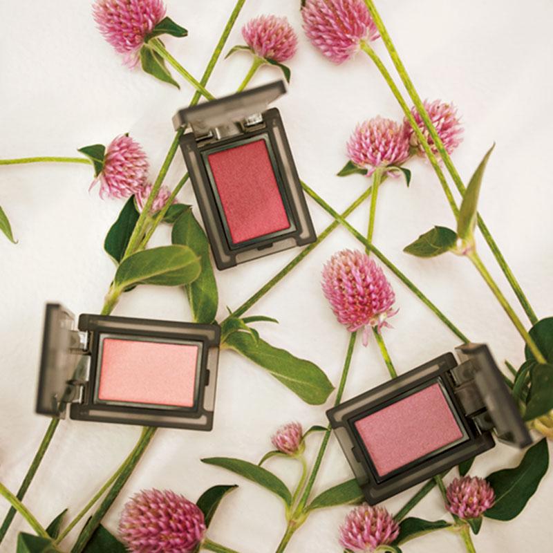 2021SSは〝bitter pink〟をテーマに、くすみピンクのカラーバリエーションがラインナップ。上から時計回りに、セルヴォーク ヴォランタリーアイズ31 同33 同EX10(限定色〈)1月8日発売〉各¥2,000(セルヴォーク)