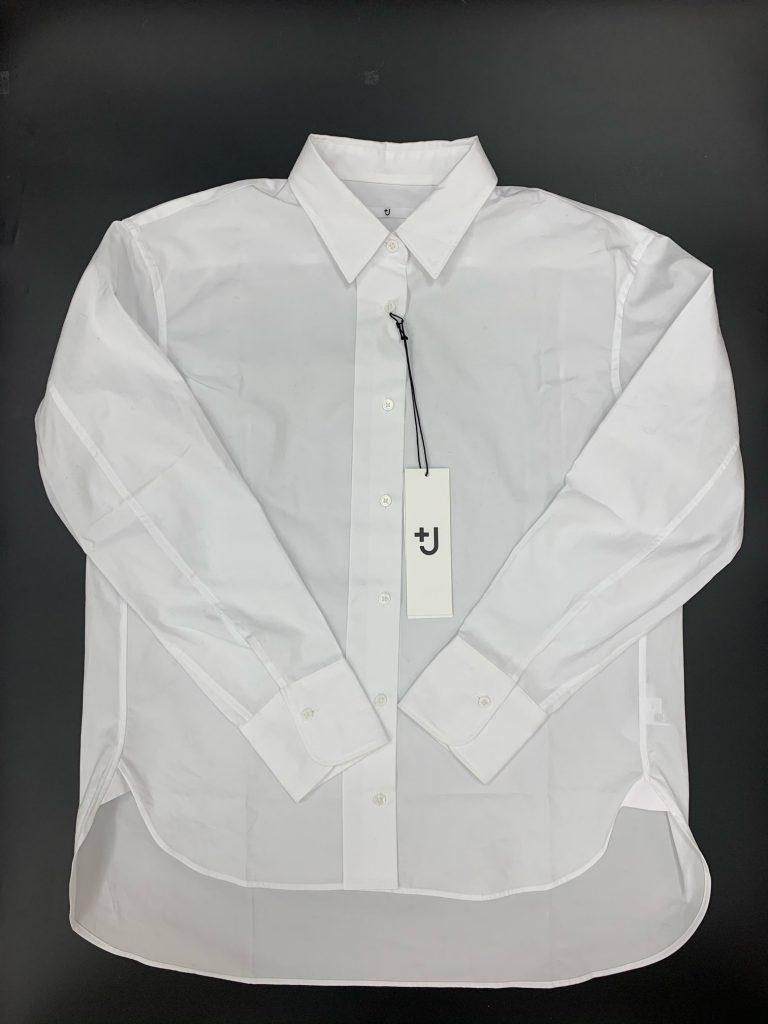 左からシャツ、タートルネックセ