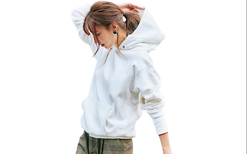 【今日の服装】きちんと見えする「白フーディ」の着こなしは?【アラサー女子】