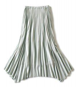 【G】ウエストゴムのプリーツスカート しめつけがなくシワにもなりにくい素材がおうちオシャレに最適。爽やかなアイスグリーン。¥27,000(サクラ/インターリブ)