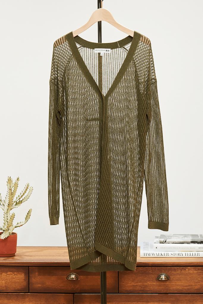 繊細な透かし編みや、ほどよく光