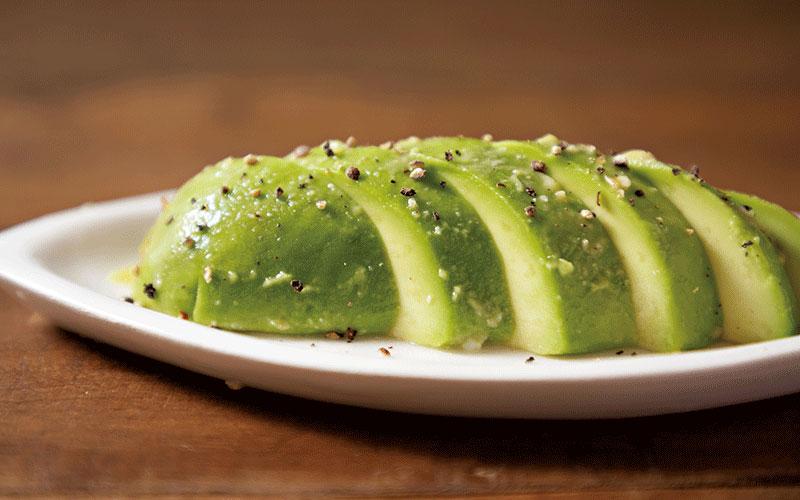 「とにかくすぐ作れる」簡単で美味しいおつまみレシピ3選【東京オカザキッチン】