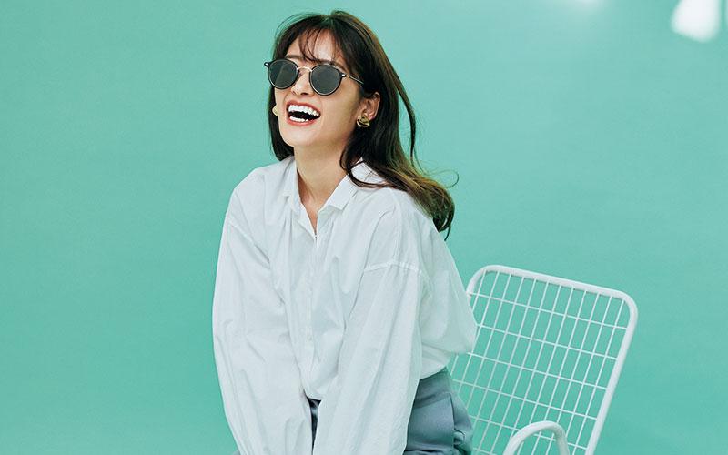アラサー女子が「白シャツ」を大人可愛く着る4つの方法