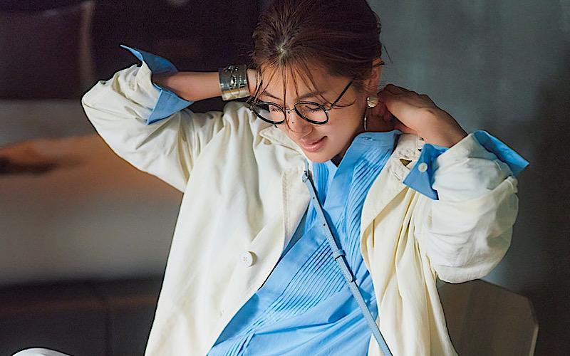 【今日の服装】「キレイめシャツ」をカジュアルに着こなすなら?【アラサー女子】