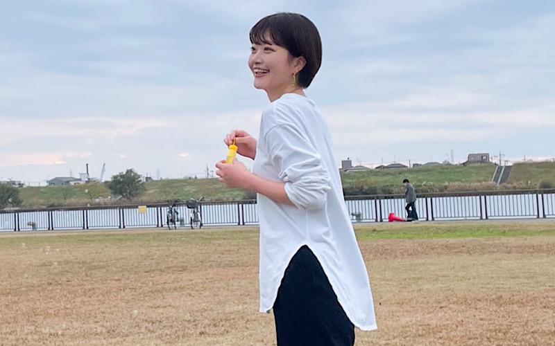 【GU×コンバース】休日にぴったりなモノトーンコーデ
