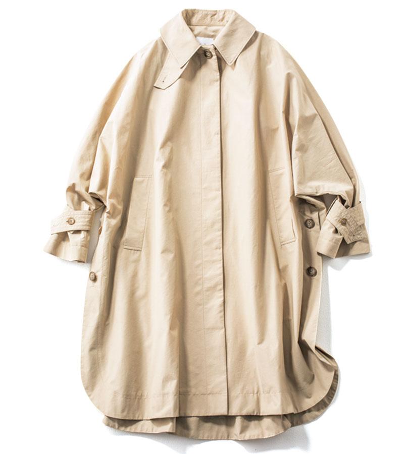 【7】ステンカラーコート 長めの丈でも軽やかな生地なら、小柄な人にもさらりとマッチします。¥48,400(ルーニィ)