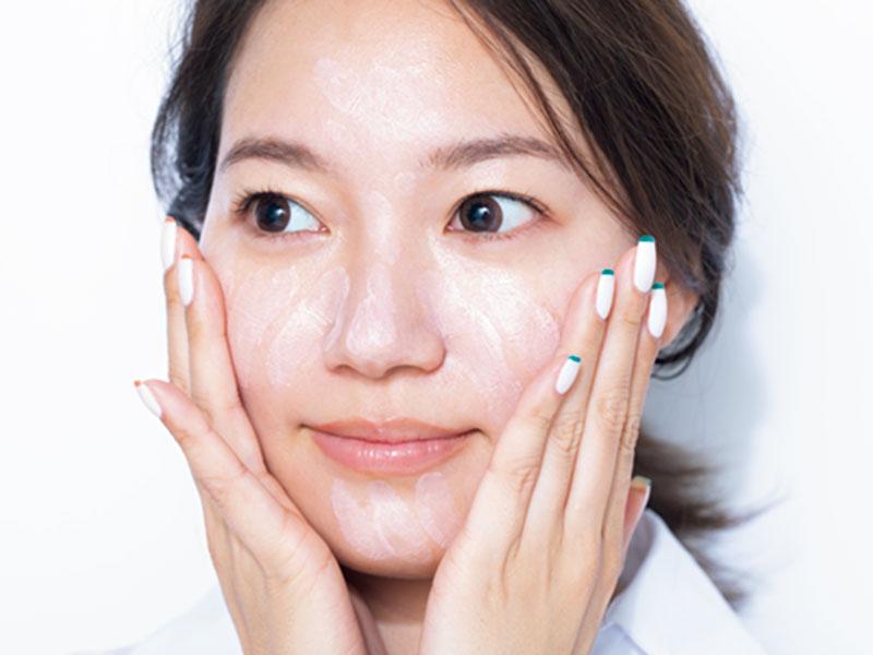 UVカットベースは全顔に塗りま