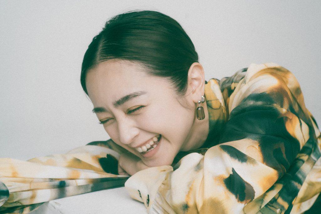 『息をひそめて』で演じる松崎妃